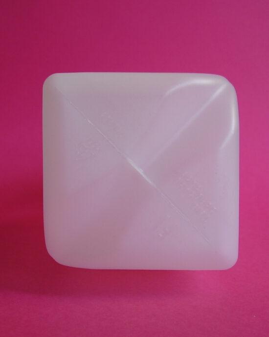 Envase plástico con capacidad de 1 litro para leche o jugo