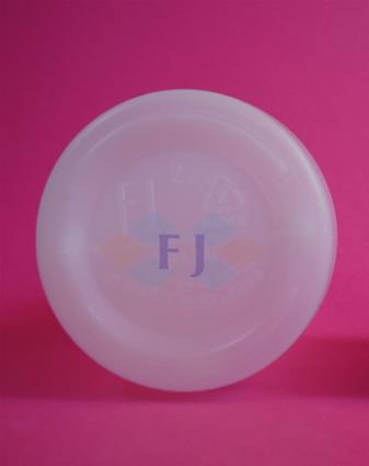 Envase plástico con capacidad de 250 ml para jugo